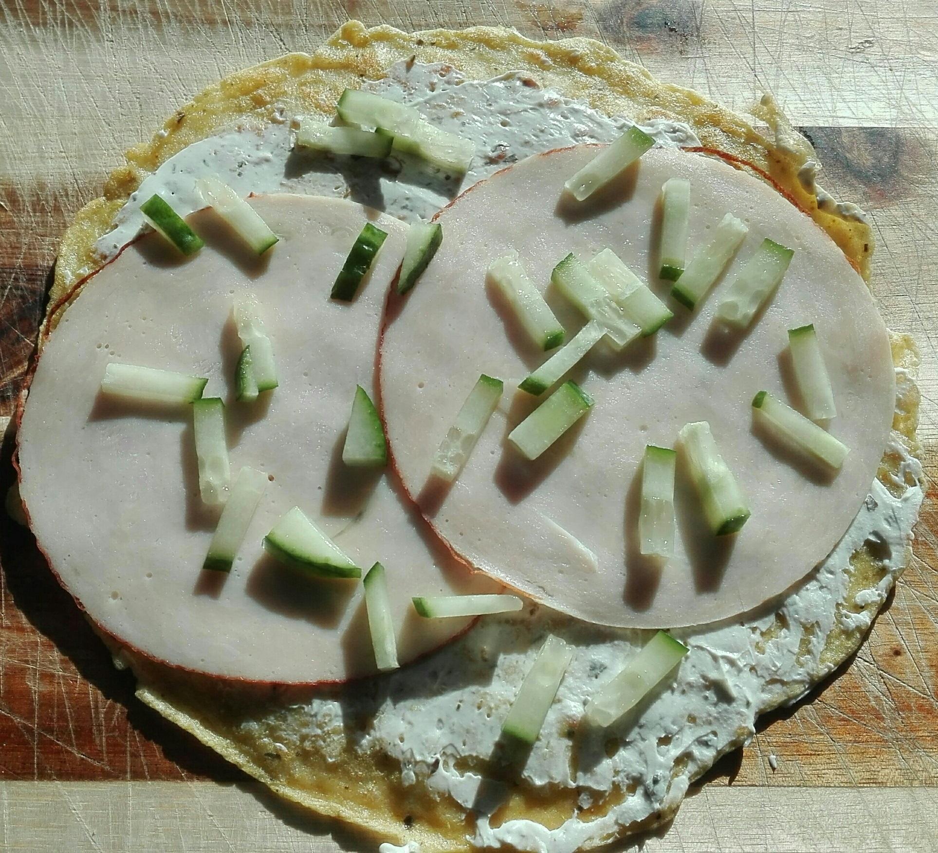 Wrap met roonkaar, ham, en komkommer