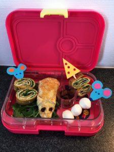 Kinderboekenweek lunch eng griezelen thema school kind gezond eten muizen bladerdeeg hapje zelf maken