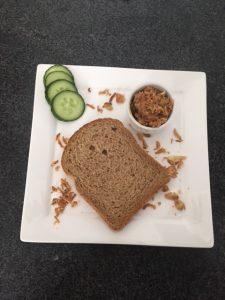 Kipsate salade simpel voor op brood lunch gezond beleg spread