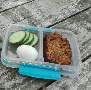 Tips pauzehap tienuurtje hartig bananenbrood ei school kinderen De Leukste Lunch gezond fruit groente
